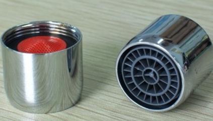 Устройства для установки на кран с внешней резьбой