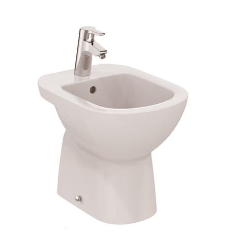 Сантехническое устройство, устанавливаемое на пол ванной комнаты
