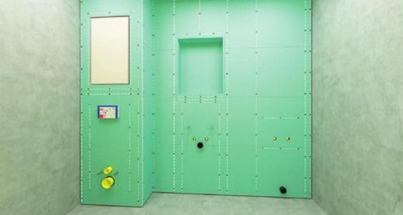 Скрытие инсталляции за фальш стеной