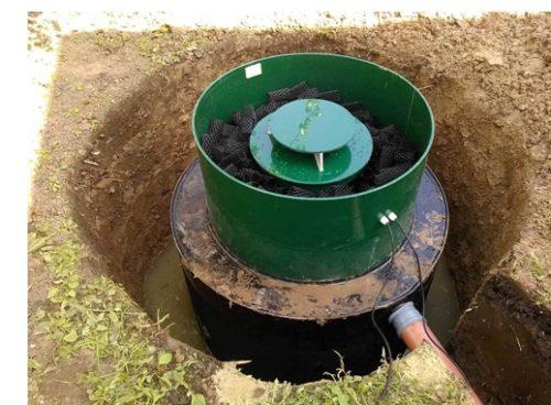 Подводка канализационных труб и электрического кабеля