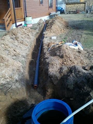 Подведение канализационных труб к септику