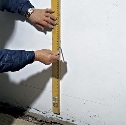 Нанесение разметки для канализационного стояка