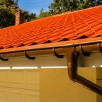 Как организовать слив воды с крыши
