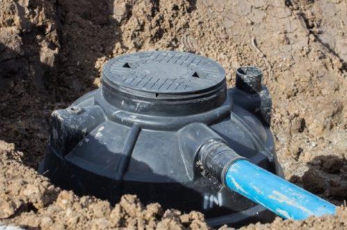 Колодец, являющийся частью канализационной системы