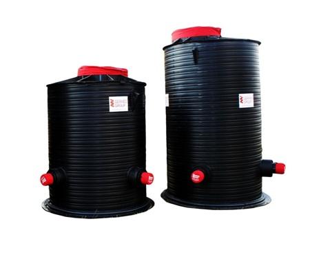 Готовый пластиковый колодец для системы канализации