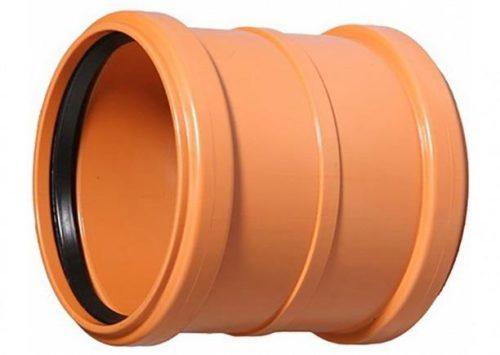 С помощью двухраструбной муфты можно легко соединить две прямых пластиковых трубы канализации