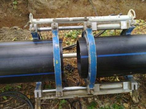 Установка аппаратуры и центрирование труб
