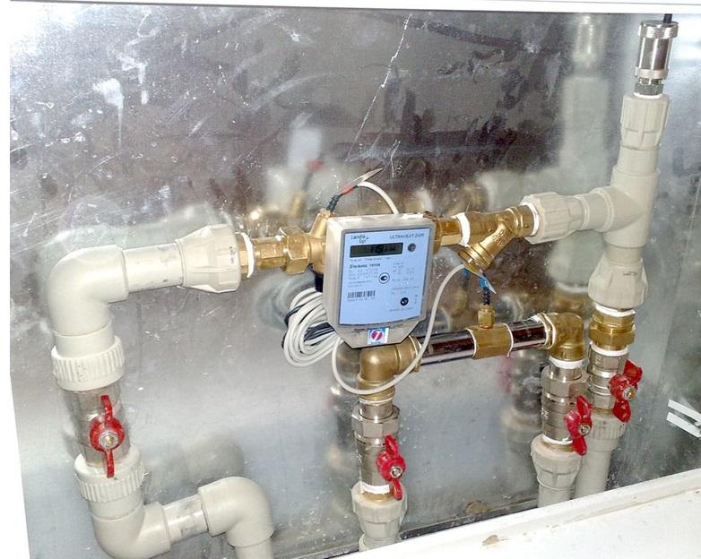 Установленный в систему отопления прибор учета