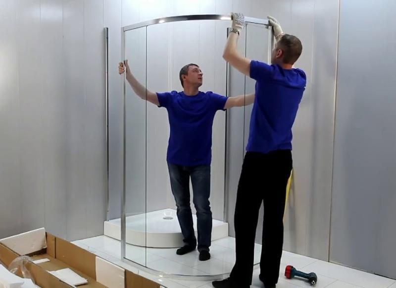Сборка и установка стеклянного ограждения