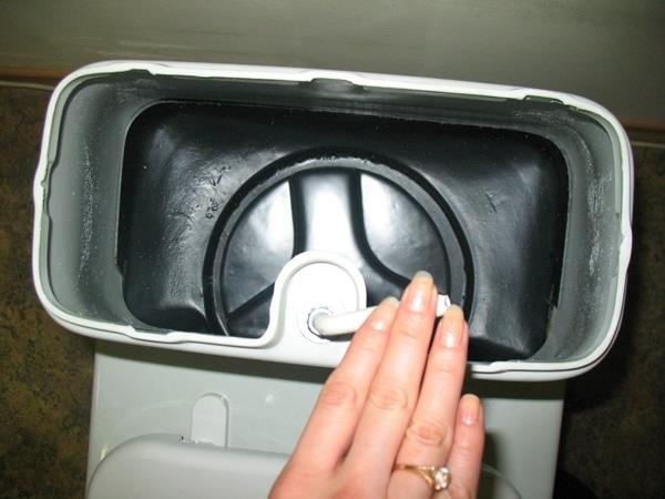 Туалет с системами дозирования и распределения