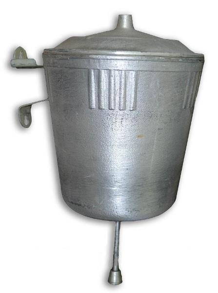 Металлический навесной умывальник для дачи