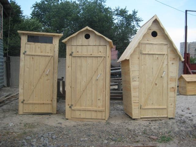 Популярные формы уличного туалетного домика
