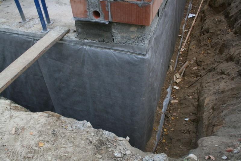 Защита фундамента дома от влаги