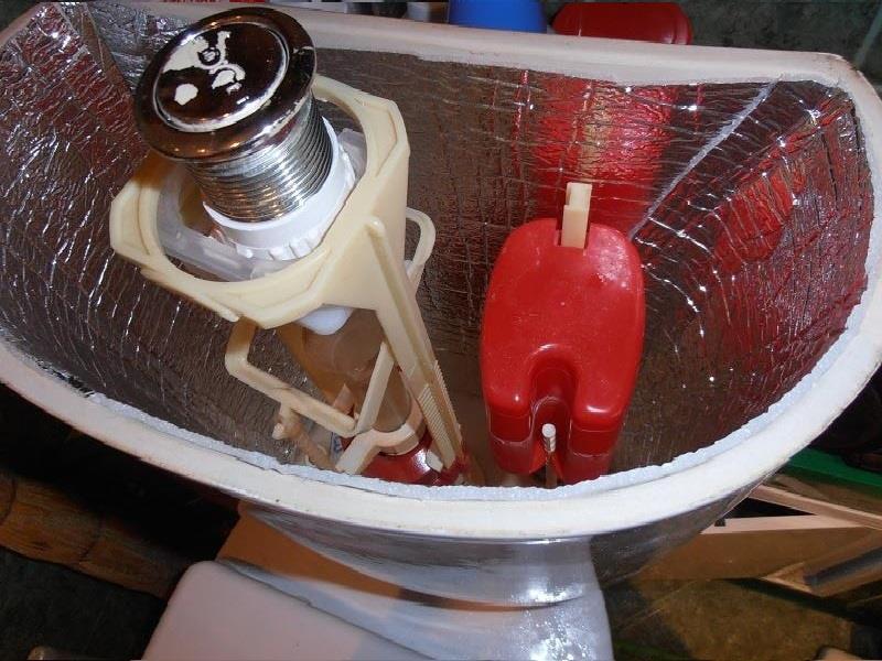 Укладка теплоизоляционного слоя для устранения конденсата