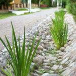 Как обустроить ливневые канавы и желоба для отвода дождевой воды
