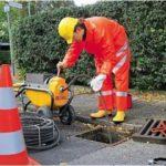 Как выполнить чистку ливневой канализации
