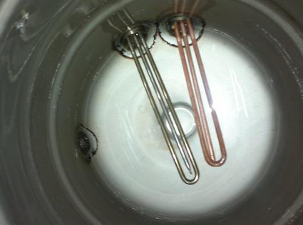 Правильное расположение нагревательных элементов внутри бака