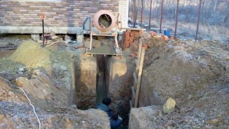 Подготовка котлована и цементирование дна