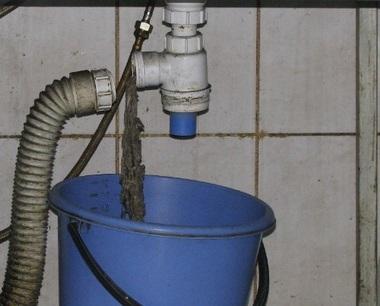 Гофрированная труба также подвержена загрязнению из-за своей формы