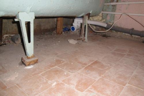 Замена канализации часто по сложности сопоставима с ее первоначальным монтажом