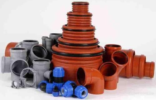 Ассортимент пластиковых труб позволяет приобрести трубы и комплектующие под любые нужды