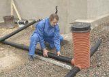 Пластиковые трубы оптимально подходят для укладки дренажа